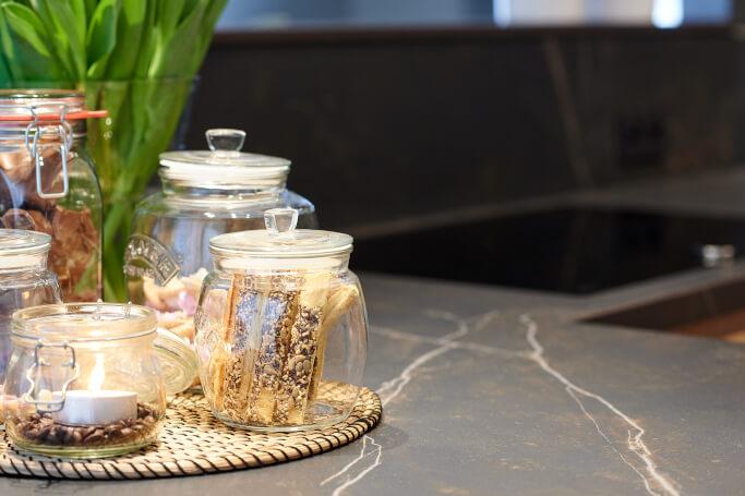 Detail van keukenwerkblad in graniet - ACK Keukens