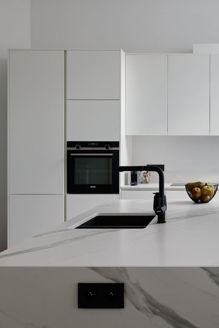 Een keukeneiland in uw keukenopstelling